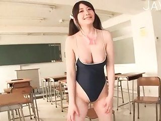 Hot schoolgirl has big boobs | Big Boobs Update